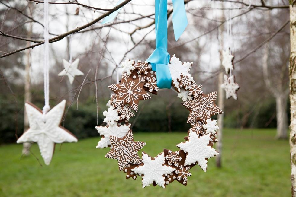 Gingerbread wreath copyright Helen Jermyn