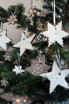 snowflake gingerbread cookies on tree
